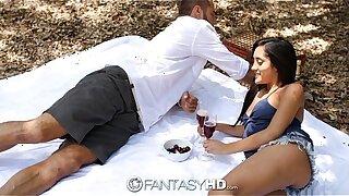 HD FantasyHD - Chloe Amour has a picnic then takes hard boner outdoors