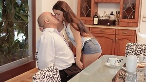 DADDY4K. Cunning man takes care of sweet damsel who was angry