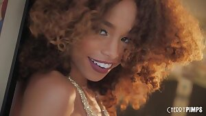 Girl with Curls_Sexy Dance - Cecilia lion