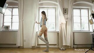 Dark-haired gymnast Anna Netrebko in Prague spreading legs