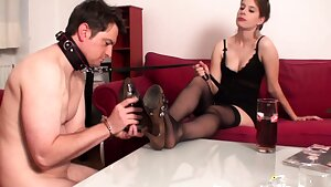 goddess Gloria Train her sole sniff slave bobby
