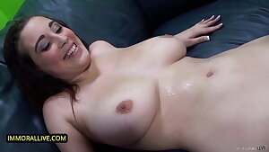 Teen With Huge Natural Tits, Noelle Easton, Has First Squirt at Casting
