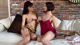 Scorching Amateurs Eve and Sasha Get it on