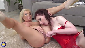 Two MILFs on the floor