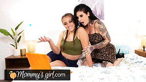 Mommy's Girl Joanna Angel Learns How To Squirt Like A Fountain