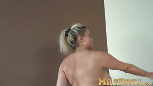 Phat tits Sindy H loves playing with her hot hairy cooter